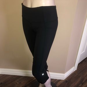 Lululemon 3/4 Split Bottom Capri Leggings …
